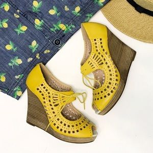 RESTRICTED Mindy Yellow Laser-Cut Wedges